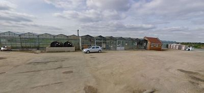 UK: This nondescript set of greenhouses in Lincs will soon become one of the largest hemp growers in Europe