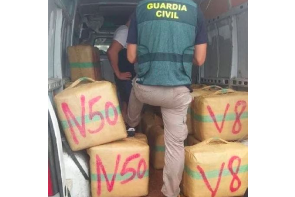 Spain: Guardia Civil Seize 1,290 Kilos of Hashish in a Boat Headed for the Mojacar Coast