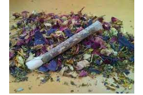 Smoking Herbs With Your Herb…. Apparently It's A Thing ?